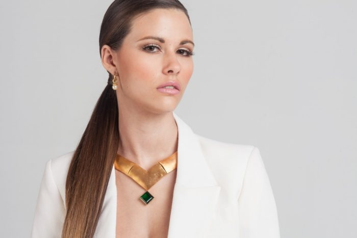 model-with-long-hair-wearing-a-bold-emarald-necklace2-1000x1000-700x467 Makeup Artist Portfolio