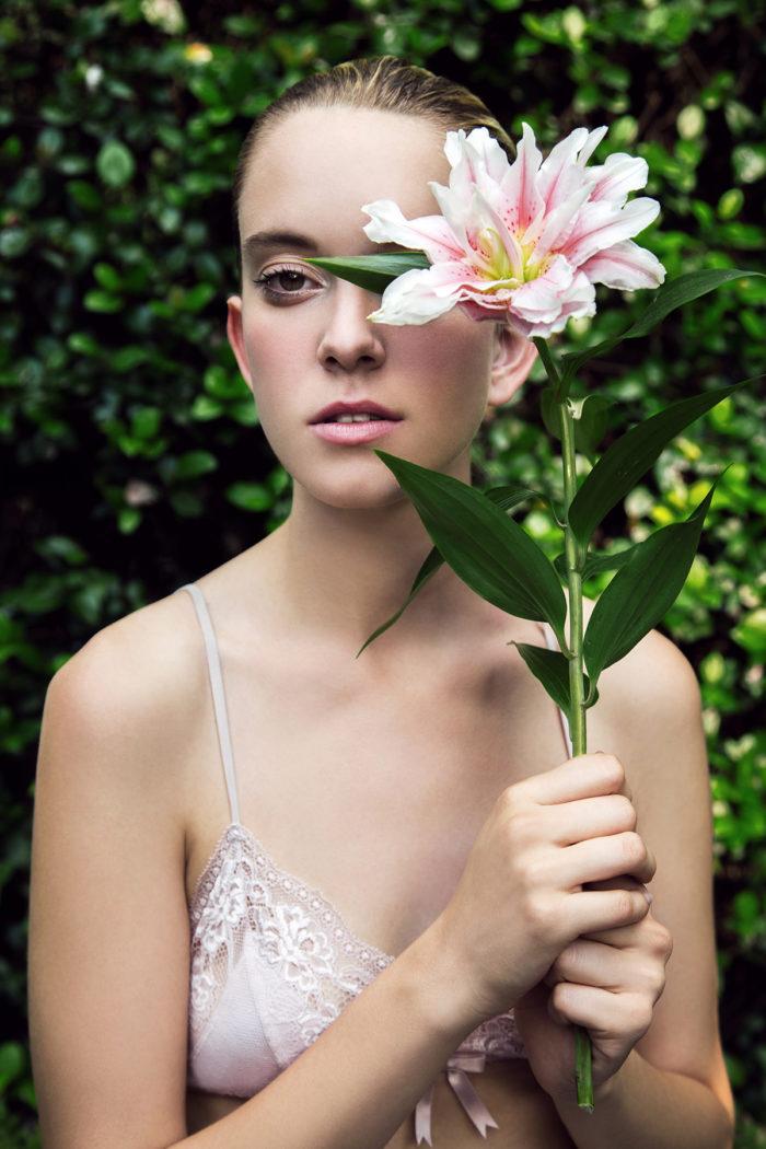 photographer-vara-pappas-and-makeup-artist-lisa-capuchino-700x1050 Makeup Artist Portfolio